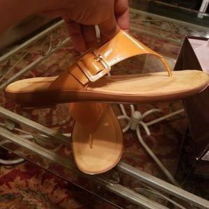 Bandolino yellow patent leather sandals